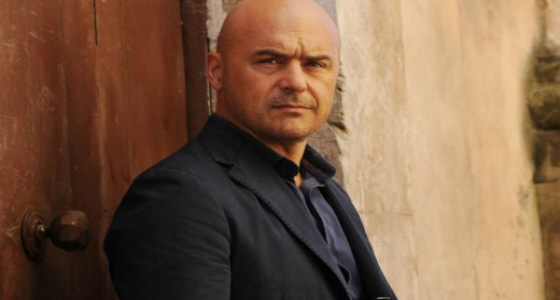 Luca Zingaretti - cool photo.j