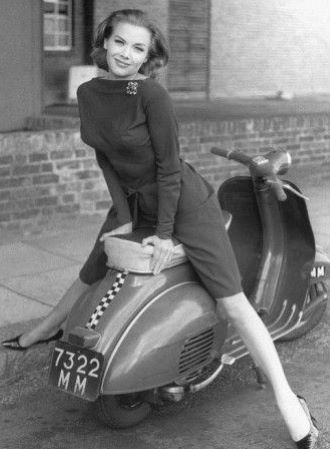 honor blackman vespa 1